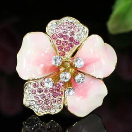 Кольцо. Керамика с кристаллами Swarovski. Белое золото. Все размеры (SR113)