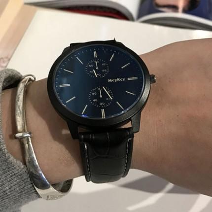 Мужские часы на черном ремешке geneva128