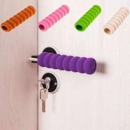 Мягкая защита на ручку двери от ударов Сиреневая