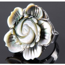 Кольцо цветок из перламутра все размеры (t13