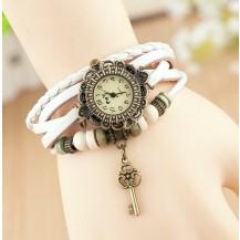 Часы - браслет с подвеской ключик Белые 137-3