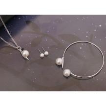 Жемчужный набор бижутерии: кулон на цепочке, серьги,браслет (tb1333)