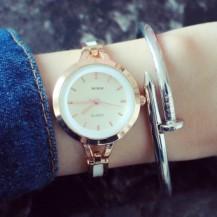 Часы женские золотистые с белым geneva130